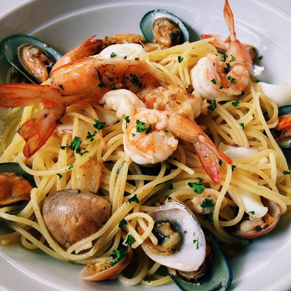 Spaghetti Seafood Olio (House Special)