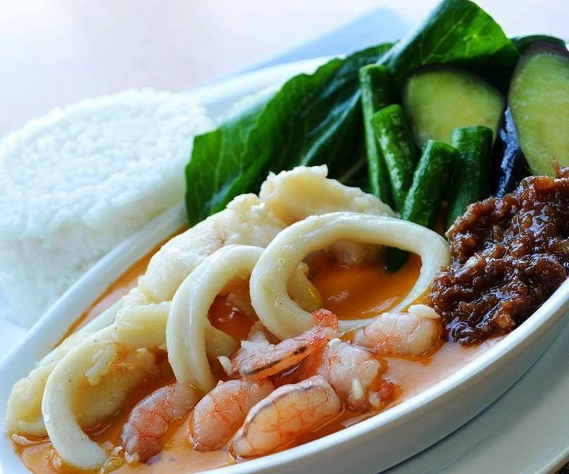 Seafood Kare-Kare
