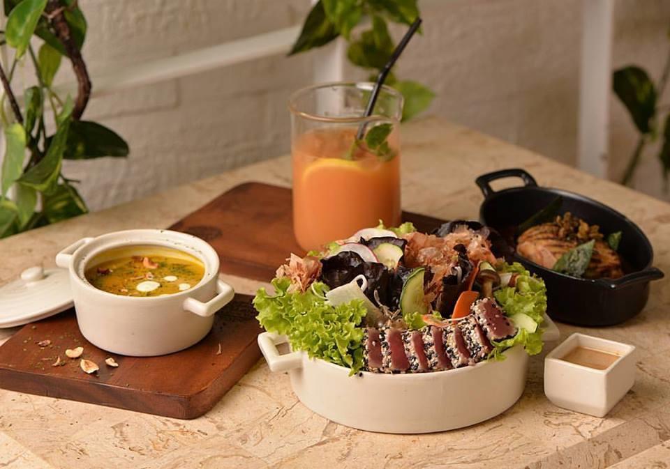 Sesame Crusted Tuna Salade