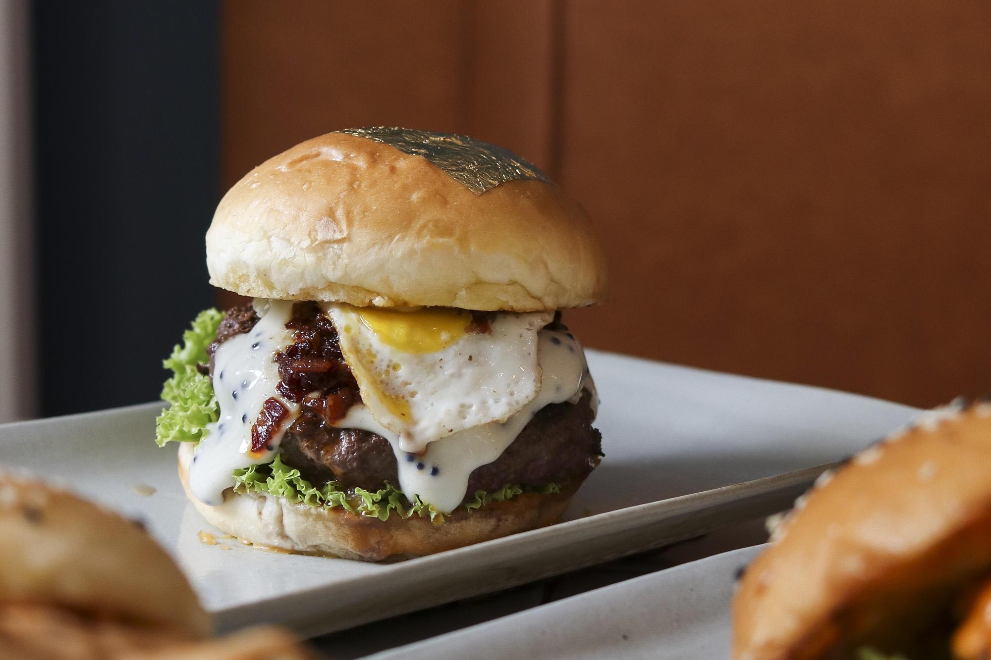 GILT Burger