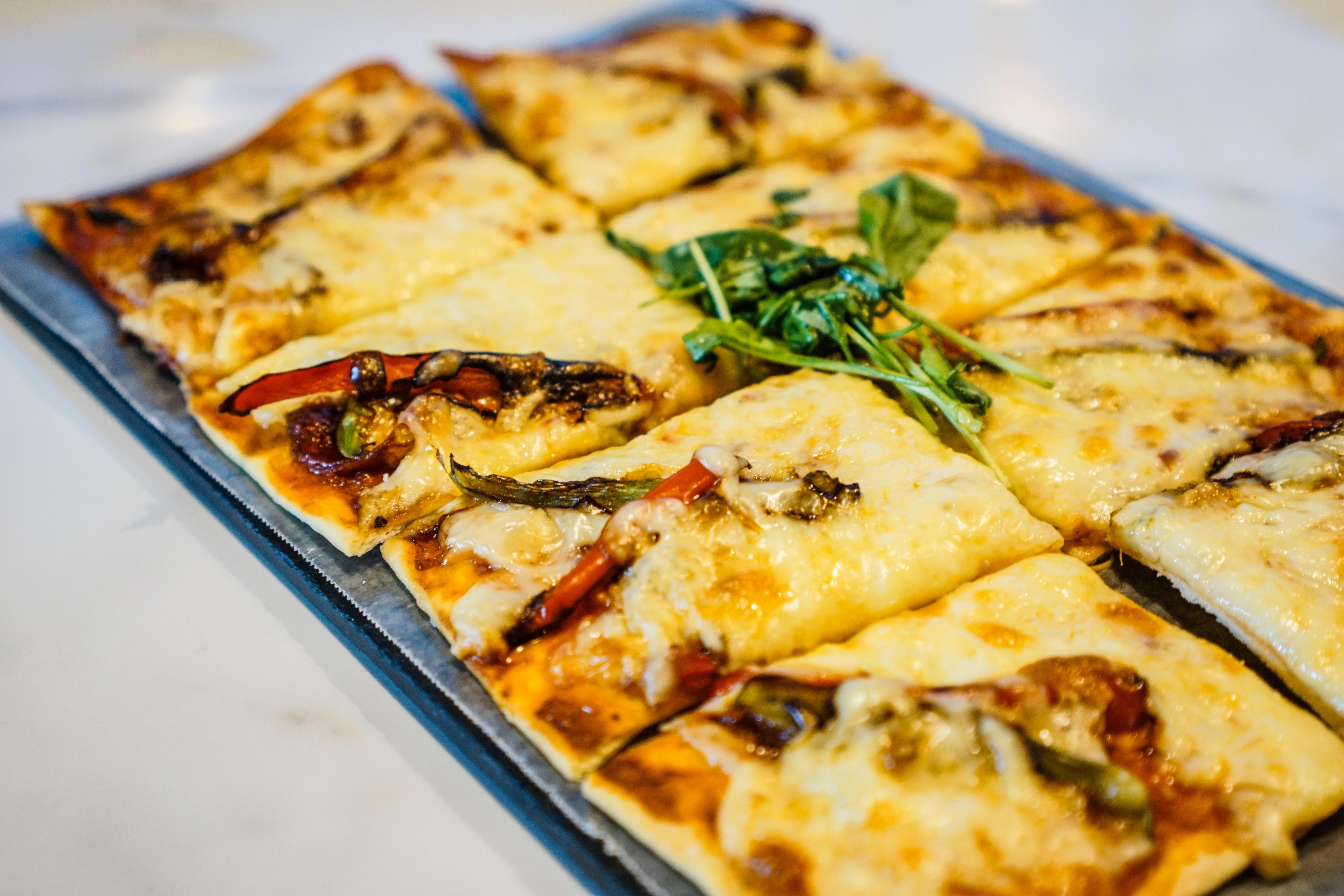 Salami Picante with Arugula Pizza
