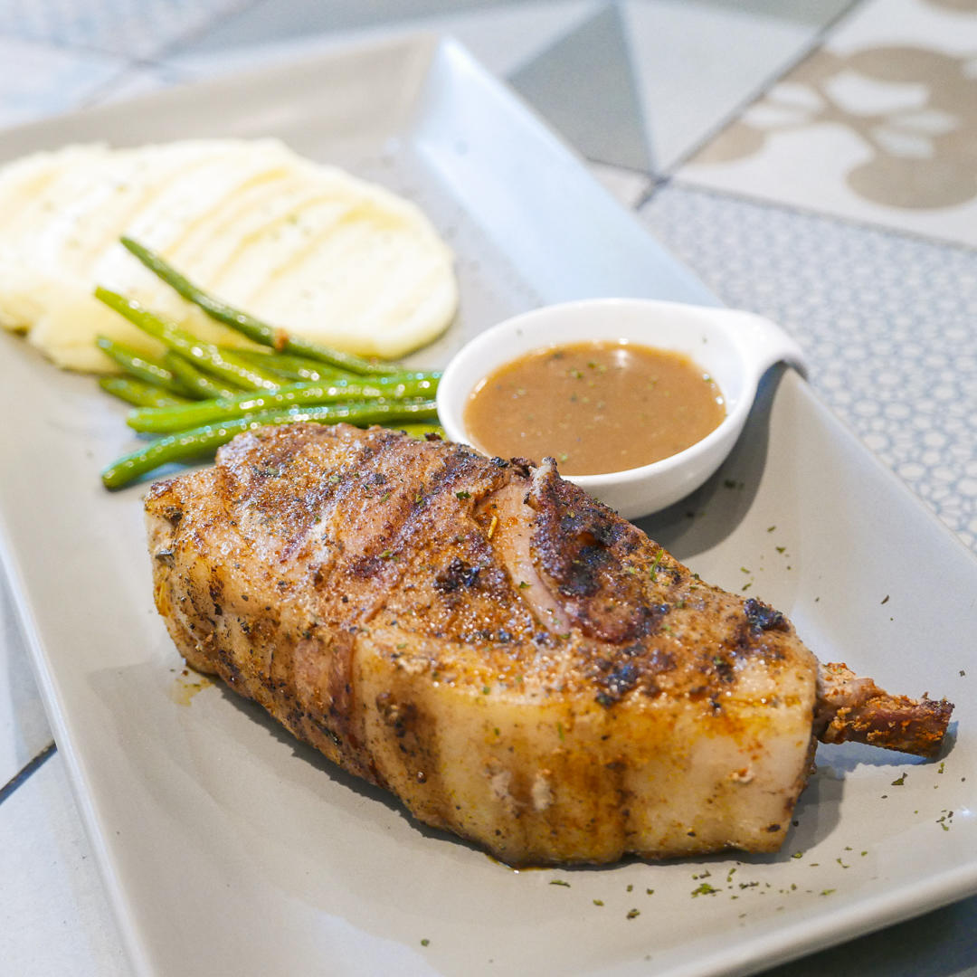 Grilled Pork Chop with Mashed Potato